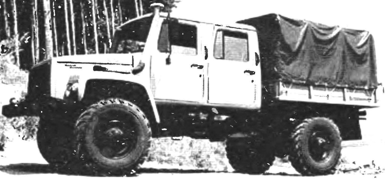 ГАЗ-3325 «Егерь-2» — дизельная модификация на базе автомобиля «Садко»