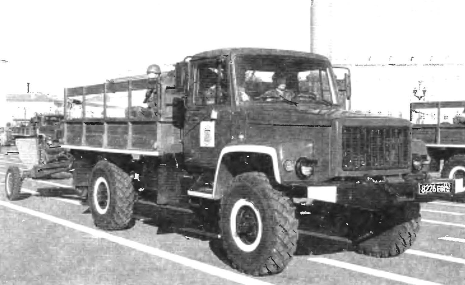 Полноприводной армейский грузовик ГАЗ-3308 «Садко»