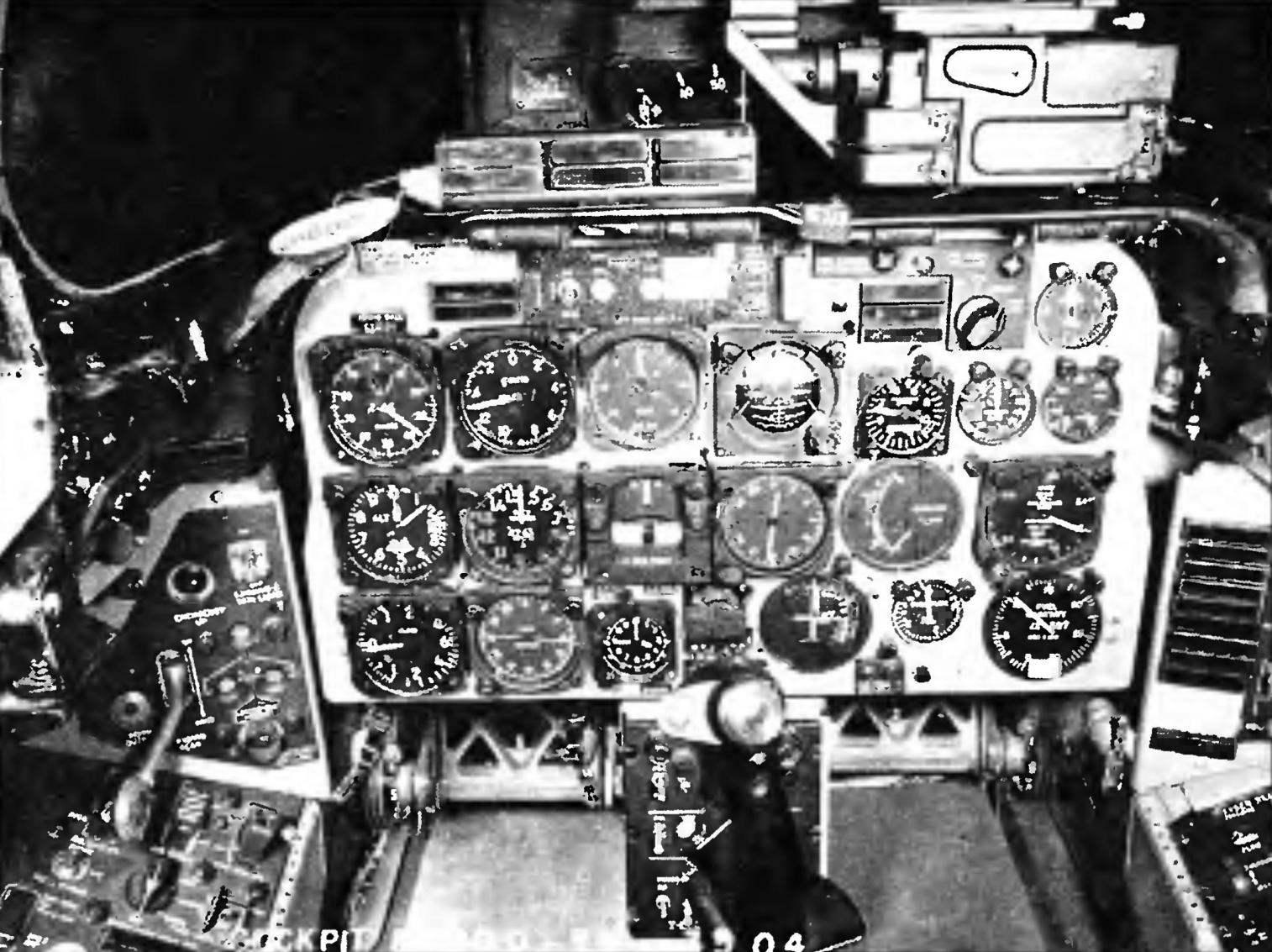 Кабина пилота F-100D-55