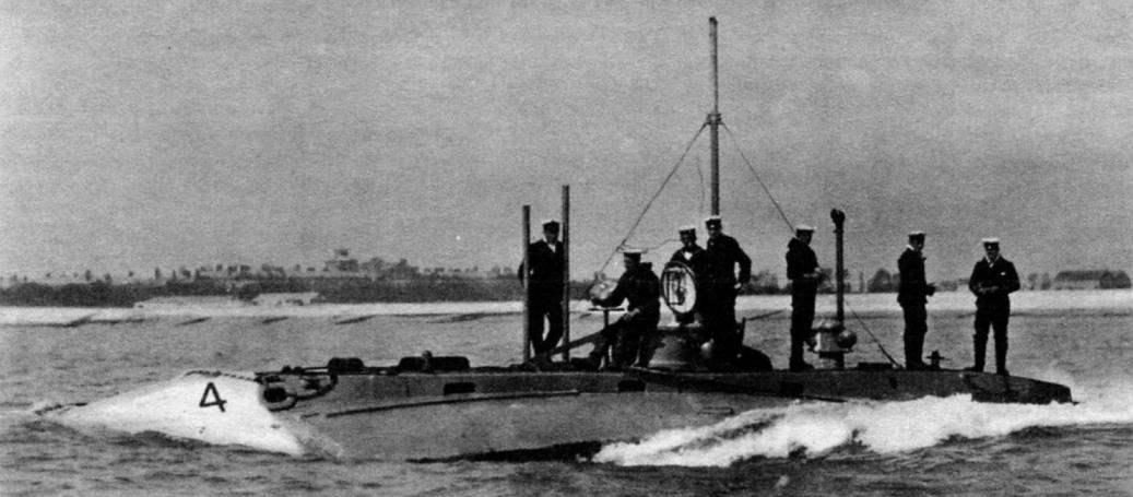 Подводная лодка № 4, Англия, 1903 г.