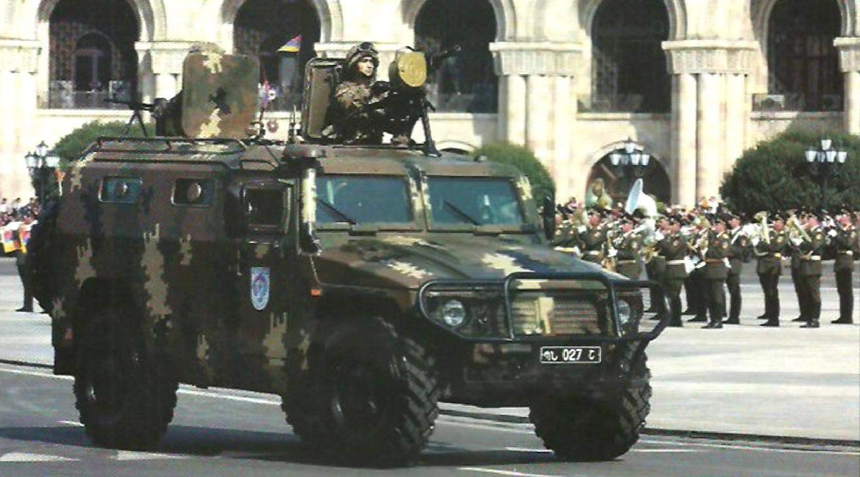Бронеавтомобиль «Тигр» войскового подразделения армии Армении на параде в честь Дня независимости. Вооружение- 30-мм автоматический гранатомёт АГС и 7,62-мм пулемёт ПКТ. Ереван, 21 сентября 2011 г.