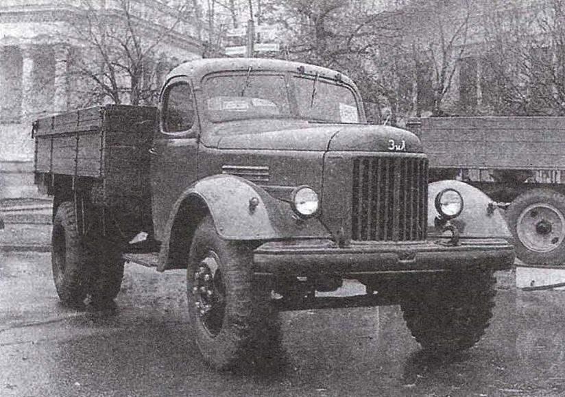 Бортовой грузовой автомобиль ЗиЛ-164 на Всесоюзной сельскохозяйственной выставке (ныне — ВВЦ)