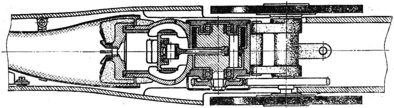 Рис. 6. Мотоустановка с двухопорным коленчатым валом двигателя и одноступенчатым редуктором (лепестковый клапан всасывания установлен на стенке бустерного канала).