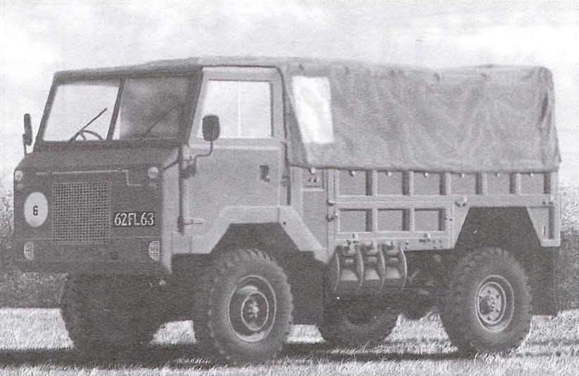 Однотонный армейский грузовик с тентом. 1977 г.