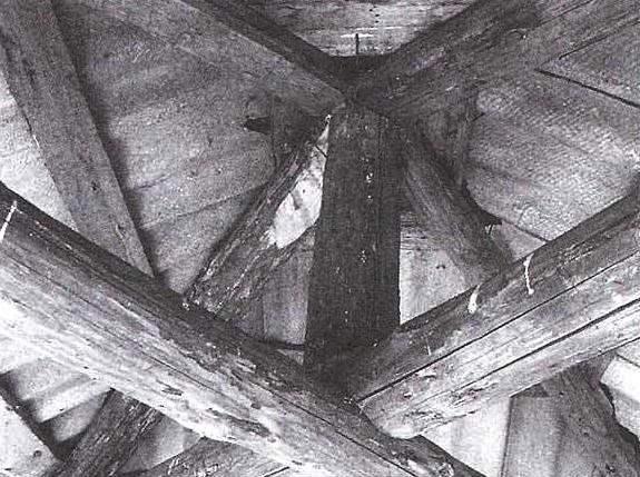 Конструктивные элементы шатровой крыши беседки (вид изнутри)
