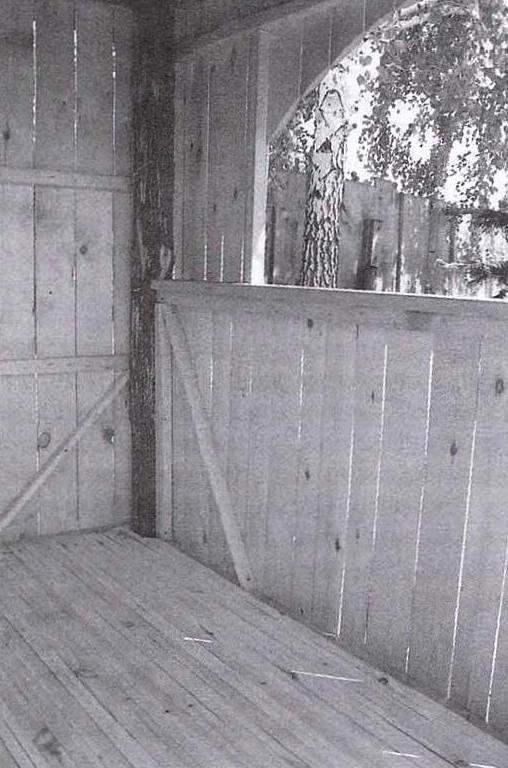 Обшивка стен беседки из горбыля (вид изнутри)