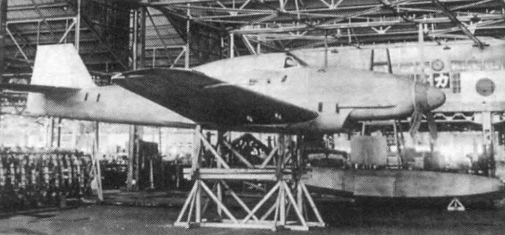 Деревянный полномасштабный макет самолёта Seiran