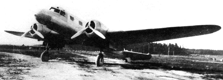 Первый опытный образец АНТ-35 во время совместных испытаний, Москва, октябрь 1936 г.