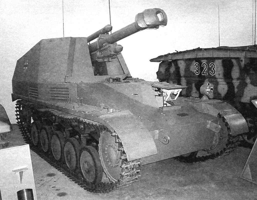 САУ «Веспе» из экспозиции Военно-исторического музея в Мюнхене, ФРГ