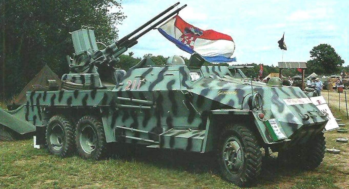 Из 220 машин Praga PLDvK vz. 53/59, служивших в армии Югославии, часть досталась хорватской армии. Две из них в восстановленном двухцветном камуфляже экспонируются в музее армии Хорватии и участвуют є парадах и выставках исторической техники
