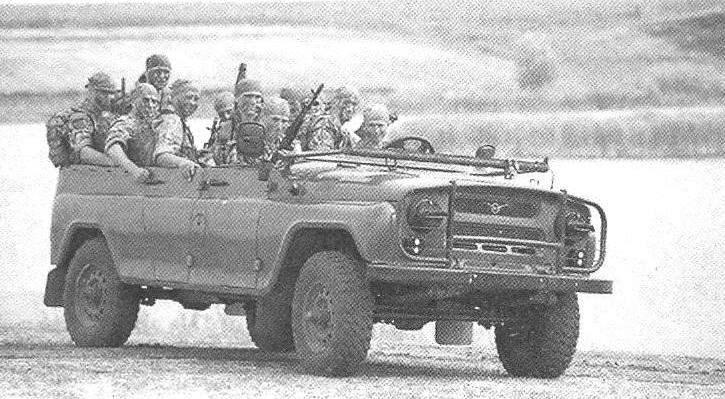 Армейский автомобиль-внедорожник УАЗ-469