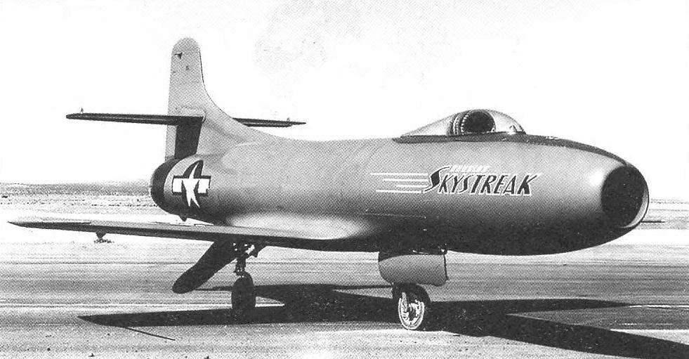 Первый образец D-558-I на заводском аэродроме