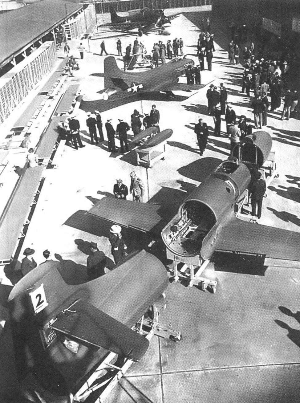 Демонстрация первых двух самолётов D-558-I представителям ВМС и NACA