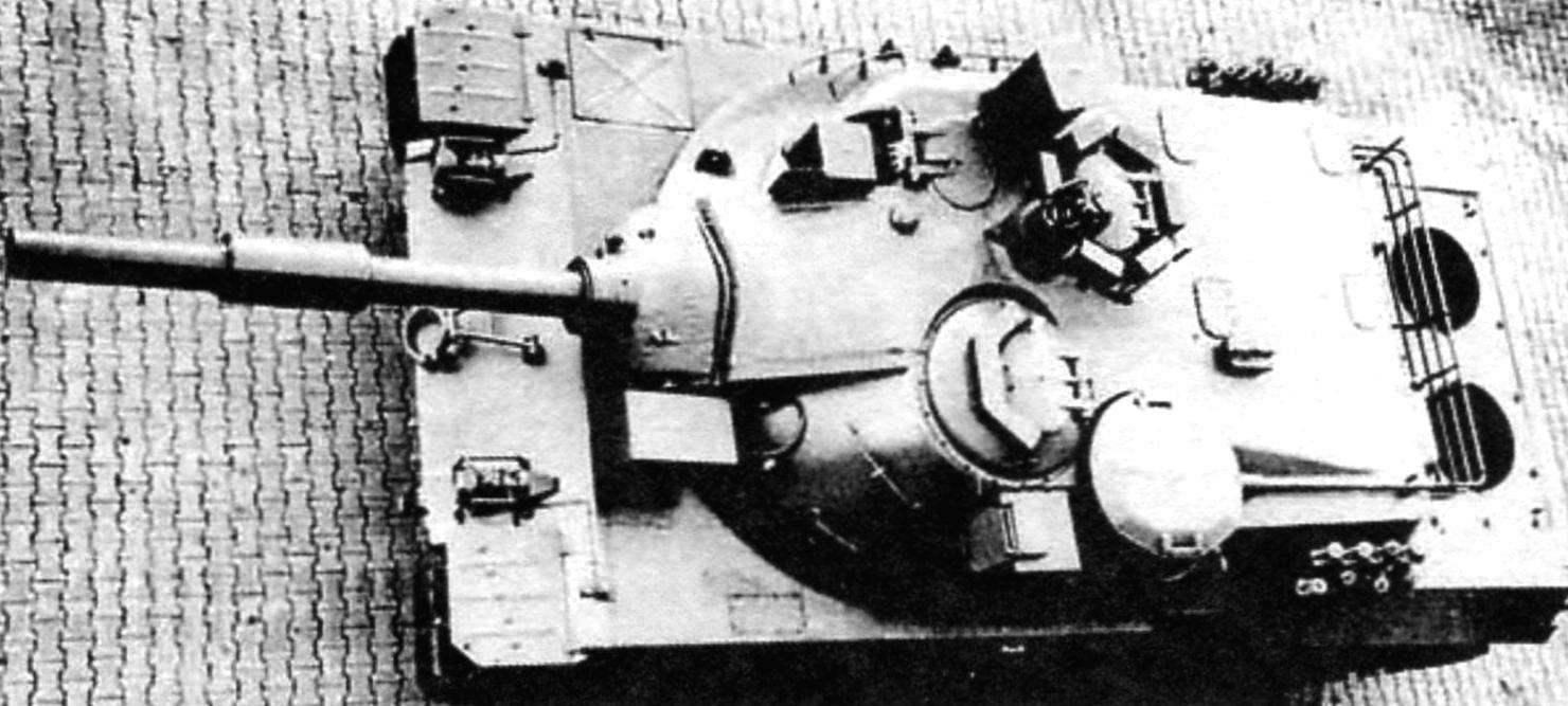 Первый американский образец танка со 152-мм пушкой