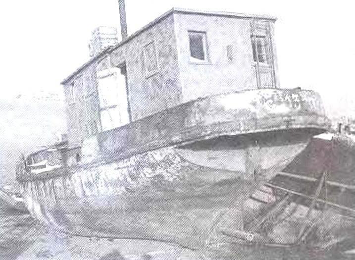 Служебно-разъездное судно проекта ЦПКБ «Каспрыба» № 1407, сохранившееся на одном из астраханских судостроительных заводов