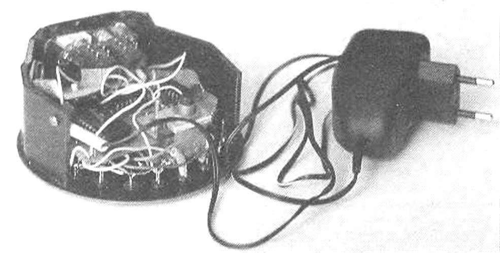 Компоновка детален схемы электронного «кубика» и корпусе