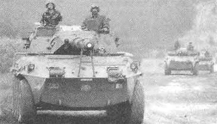 Колёсный истребитель танков «Кентавр» 105/52 на учениях итальянской армии