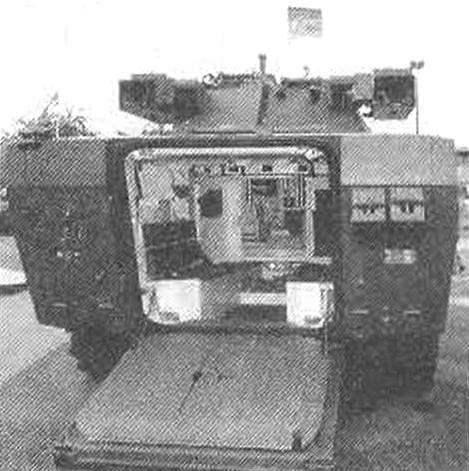 Вид на корму и интерьер десантного отделения колесной БМП «Кентавр» VBC 25