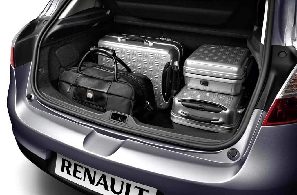 Вместимость багажника седана Renault Megane составляет 0,52 м3