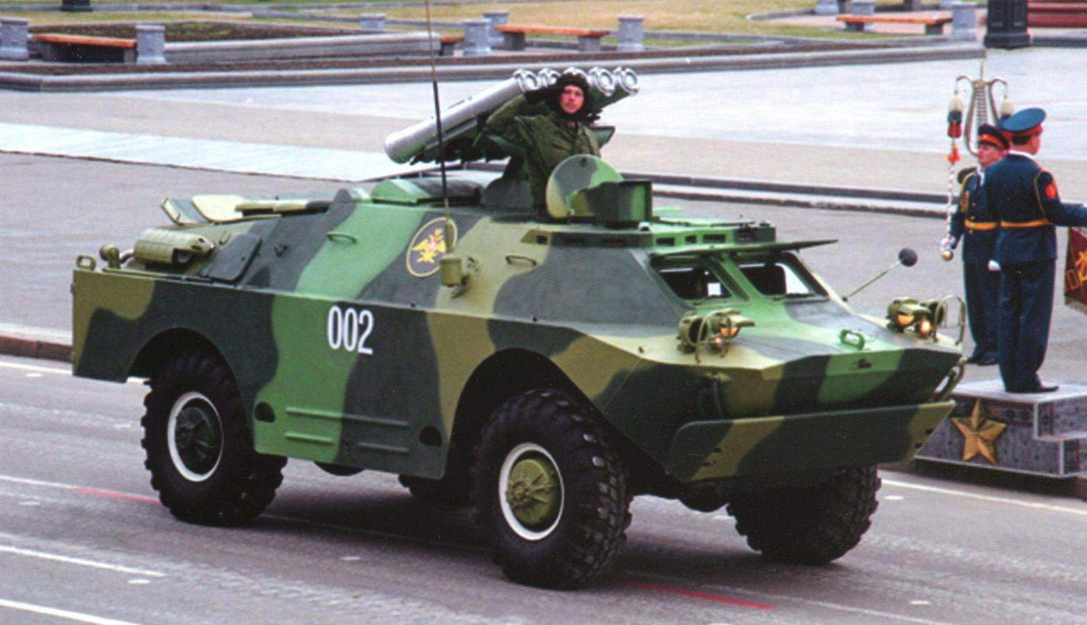 Боевая машина 9П148 комплекса «Конкурс». Парад Победы, Хабаровск, 2010 г.