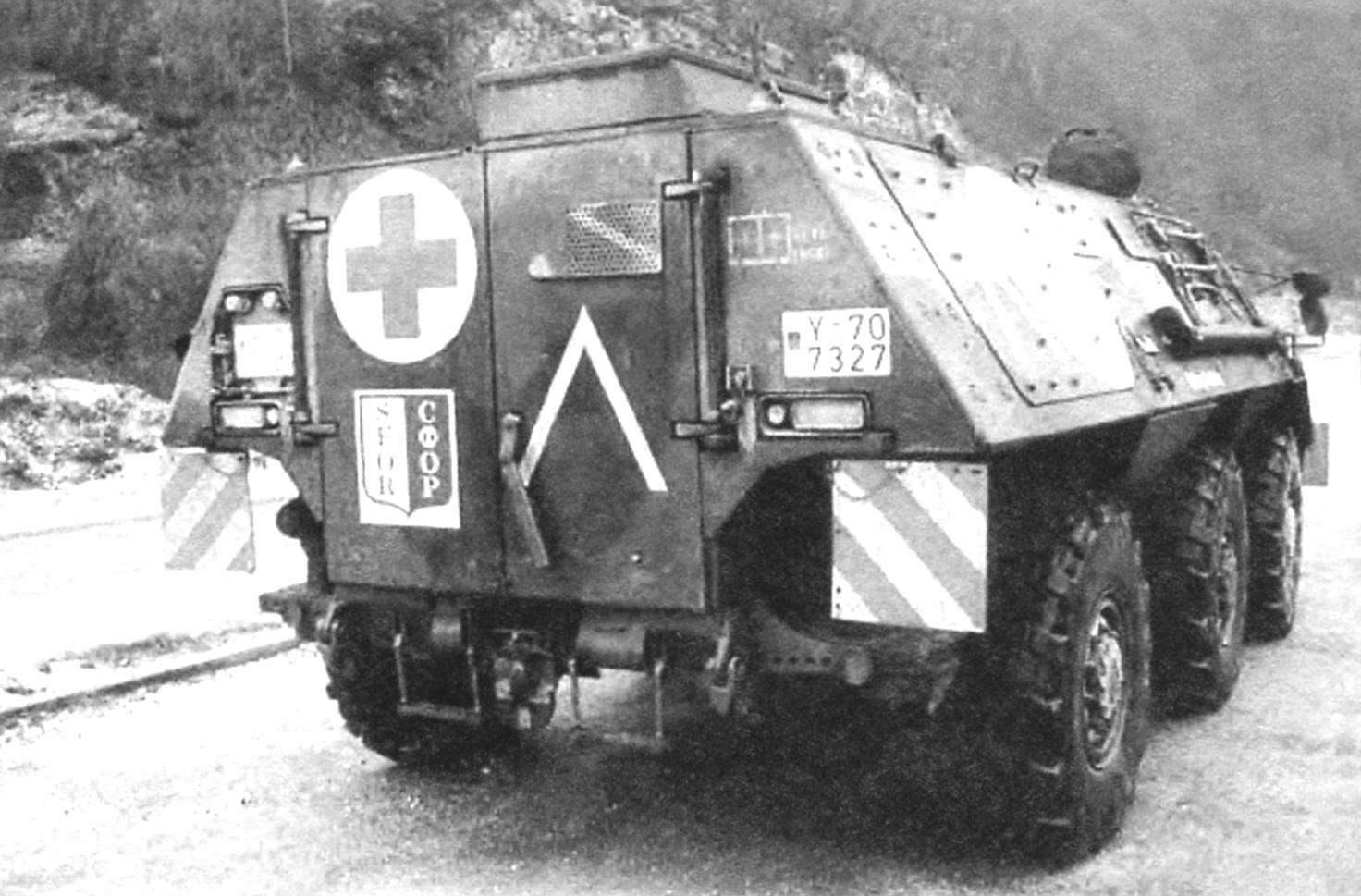 Санитарная модификация БТР «Фукс» для вывоза раненых с поля боя. Афганистан, сентябрь 2010 г.