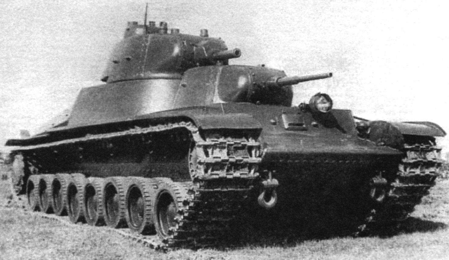 Тяжёлый двухбашенный танк Т-100. Единственный опытный образец. Август 1939 г.