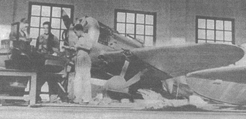 И-16, тип 5 в авиаремонтных мастерских.
