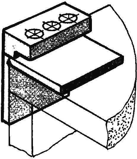 Рис. 4. Готовый универсальный кондуктор — с несколькими направляющими отверстиями