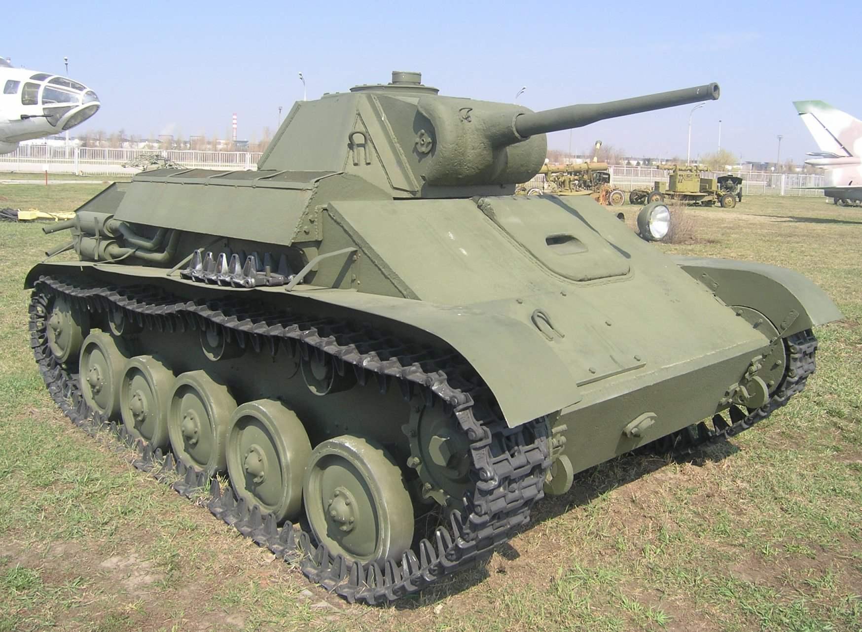 ЛЕГКИЙ ТАНК Т-70