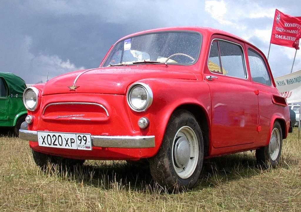 Предок современных «таврий» и «славут» — ЗАЗ-965A по кличке «горбатый»—самый дешевый и самый популярный советский автомобиль
