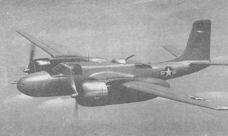 В полете — бомбардировщик А-26В Invader первых серий