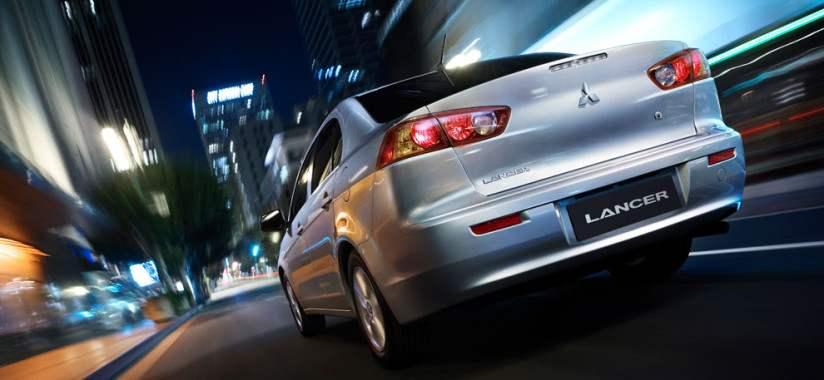 Новый автомобиль гольф-класса — Mitsubishi lancer выпуска 2007 года