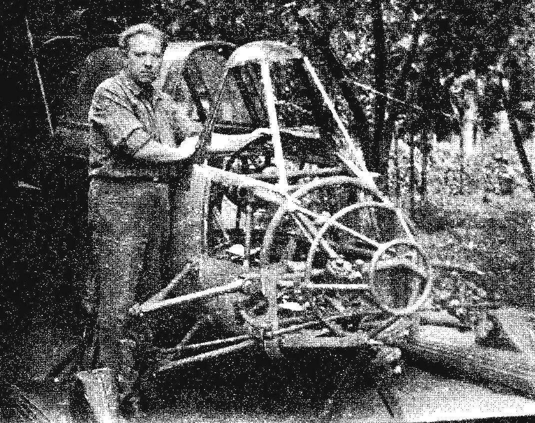 Snowmobile AK-6 in the process of construction. In the frame of the nose cone is clearly visible the steering mechanism with a bipod and two connected rods