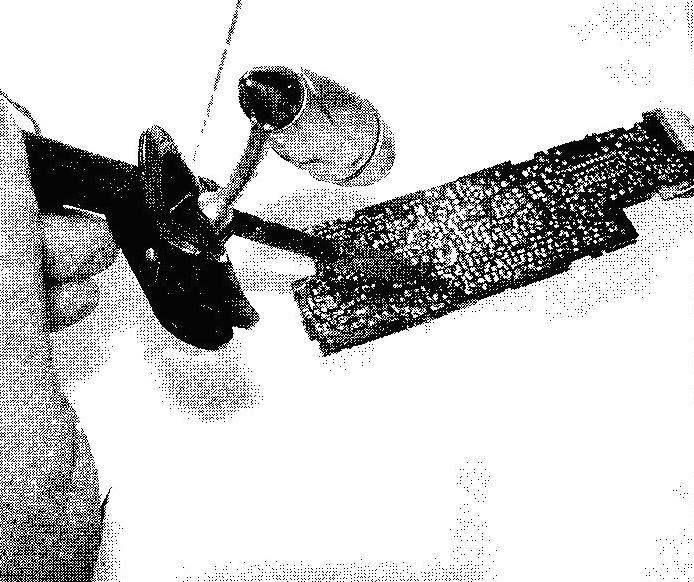 Фото 2. Крепление мини-светильника на ручке паяльника