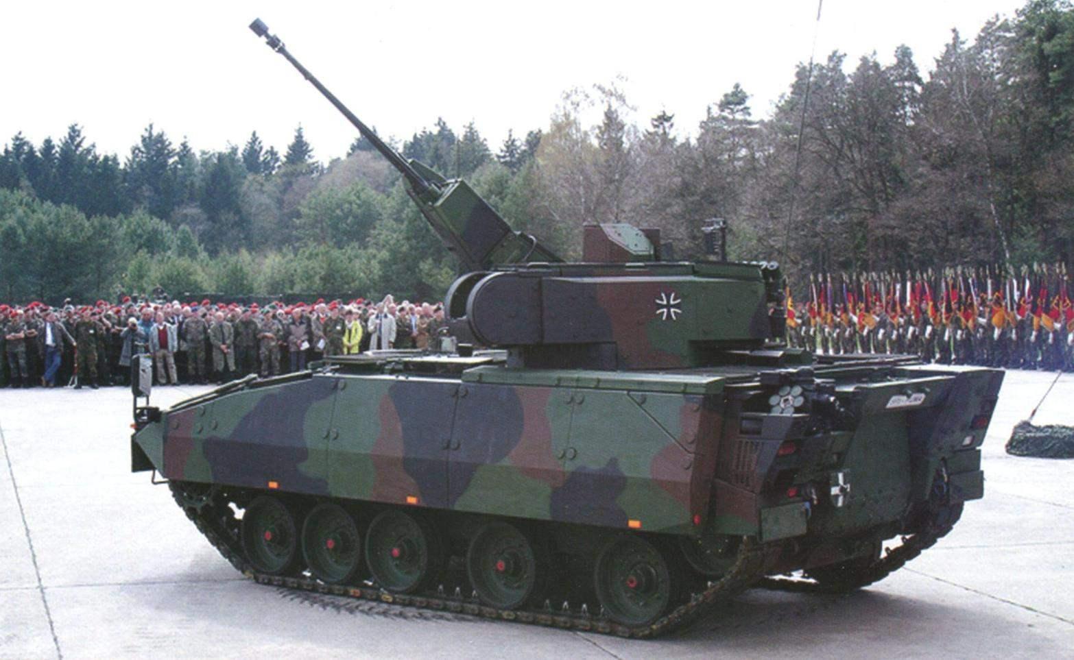 Новая немецкая боевая машина пехоты «Пума». Представление военным специалистам опытного образца
