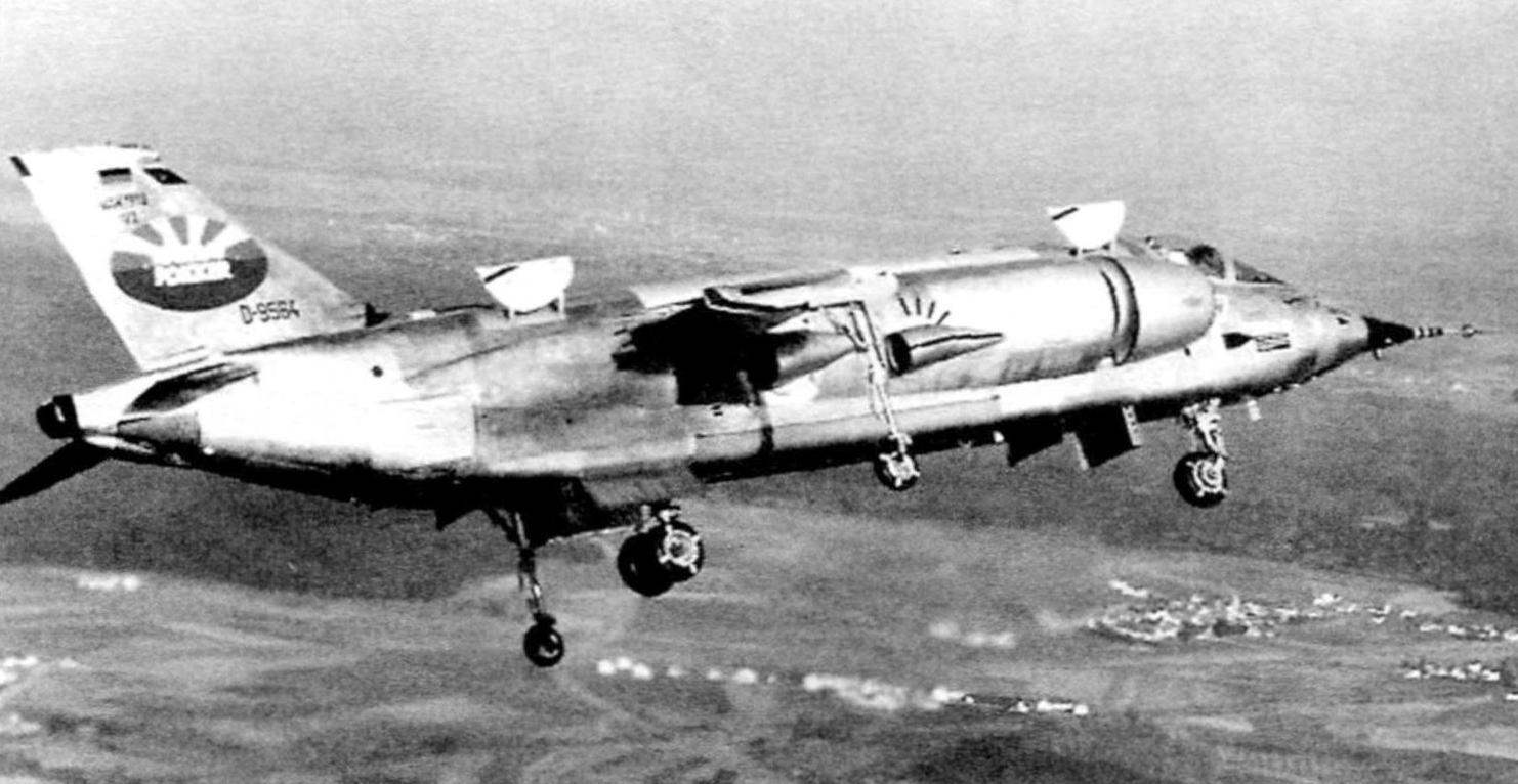 Second prototype VAK 191В in the first flight. The keel is a logo of the United Corporation VFW-Fokker