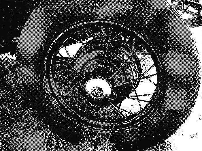 Ажурная конструкция спицованного колеса ГАЗ-А оказалась весьма жесткой и прочной