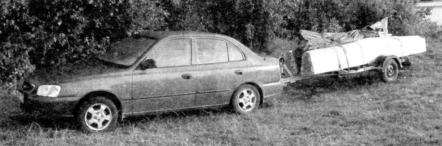Транспортировка катамарана на прицепе легкового автомобиля
