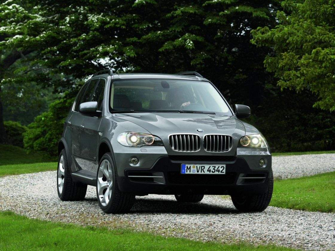Four-wheel drive car BMW X5 2006