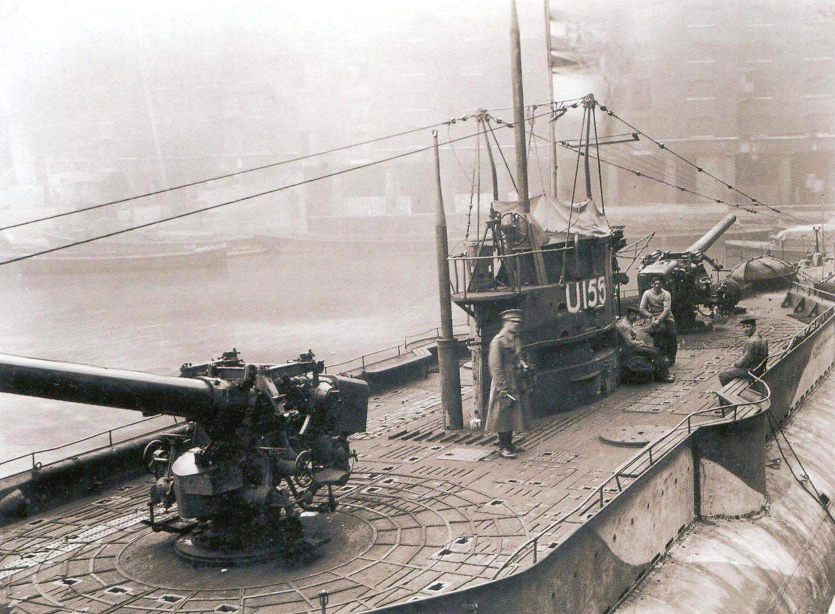 Two 150-mm guns on the deck of submarine U-155