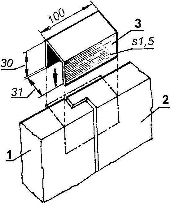 Использование П-образной скобки при монтаже стен дачи