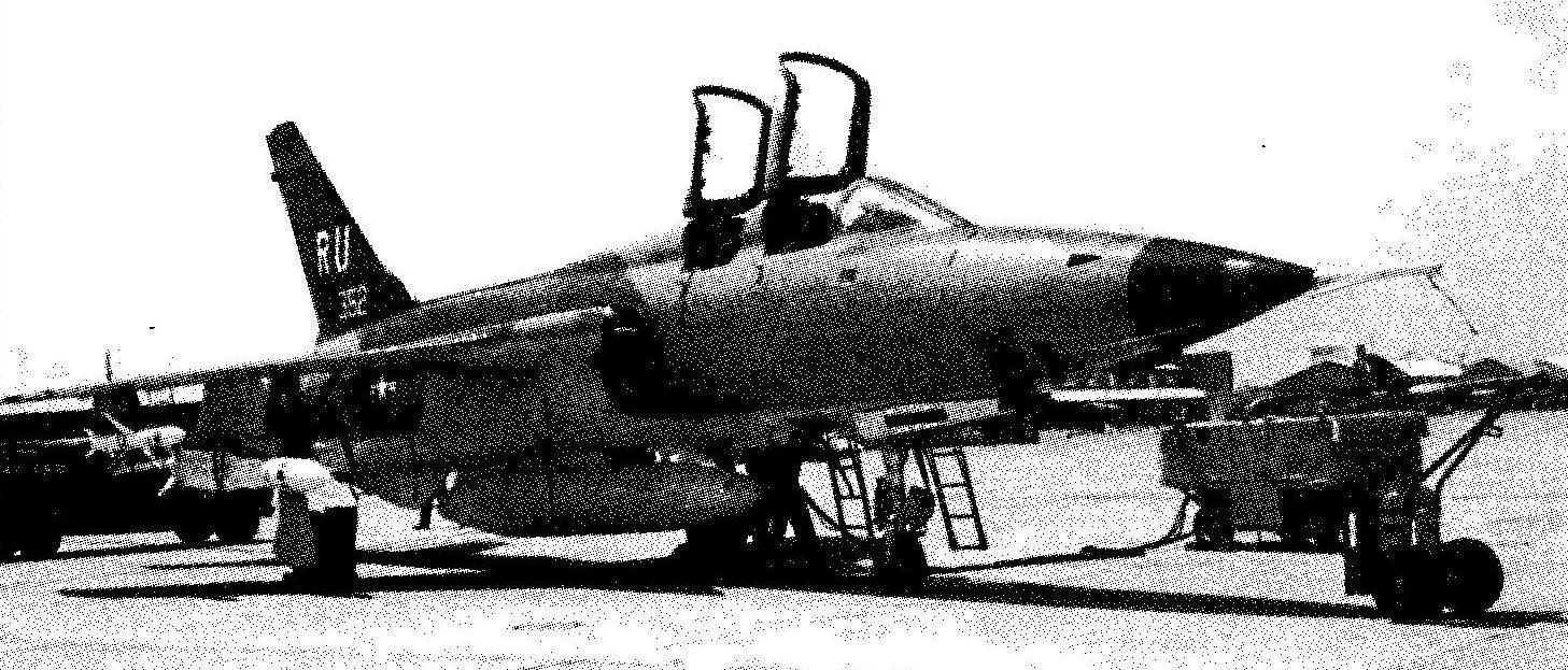 Подготовка к вылету самолета EF-105F Wild Weasel на авиабазе Корат