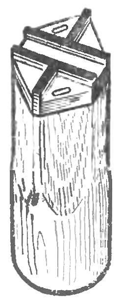 Рис. 3. Штамп на деревянной державке.