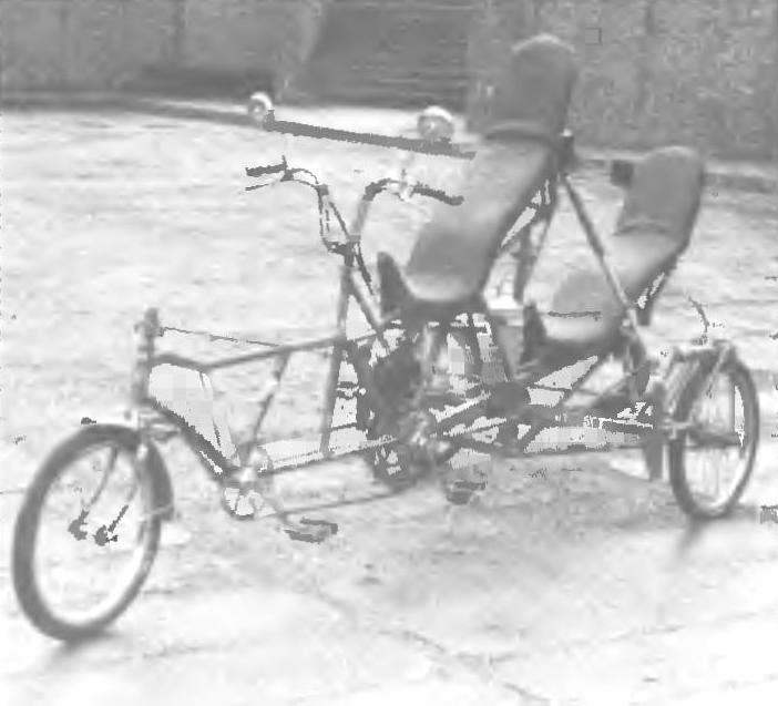 Веломобиль-тандем «Антилопа» литовских энтузиастов биотранспорта участник велофестиваля «Шяуляй-87»
