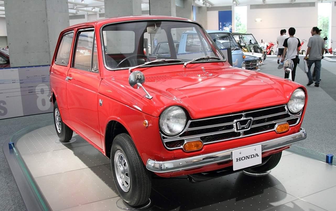 «Народный автомобиль» Honda N360, созданный фирмой по заказу Министерства внешней торговли и промышленности Японии
