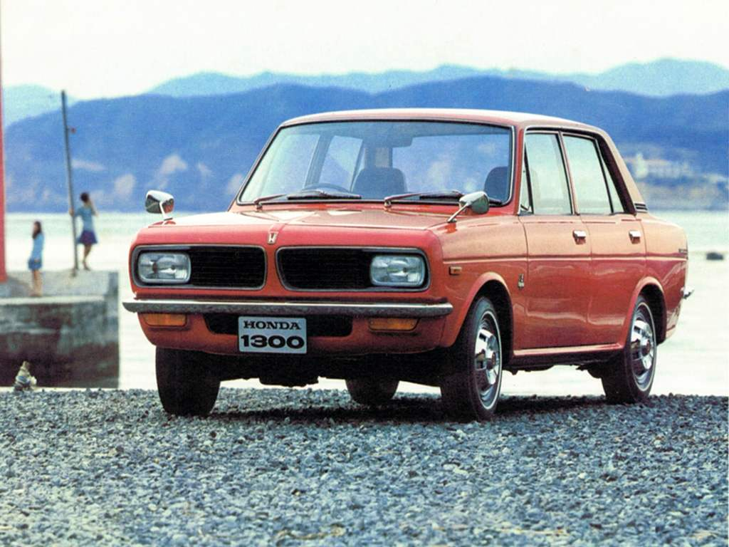 Первый автомобиль среднего класса Honda 1300 был выпущен фирмой лишь в 1969 году