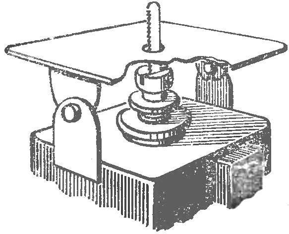 Модернизированный лобзиковый станок.