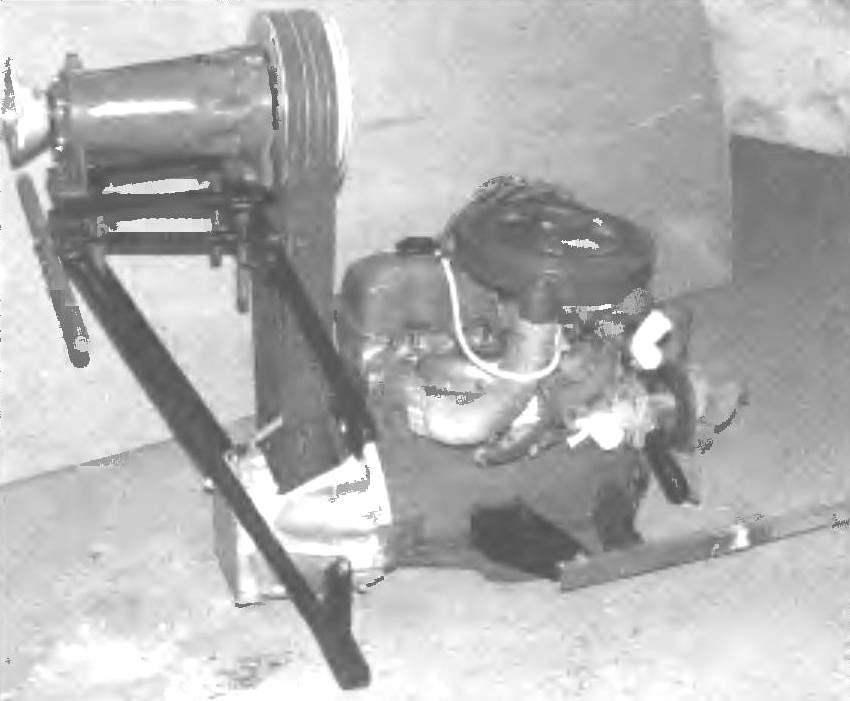 Двигатель с ременной передачей