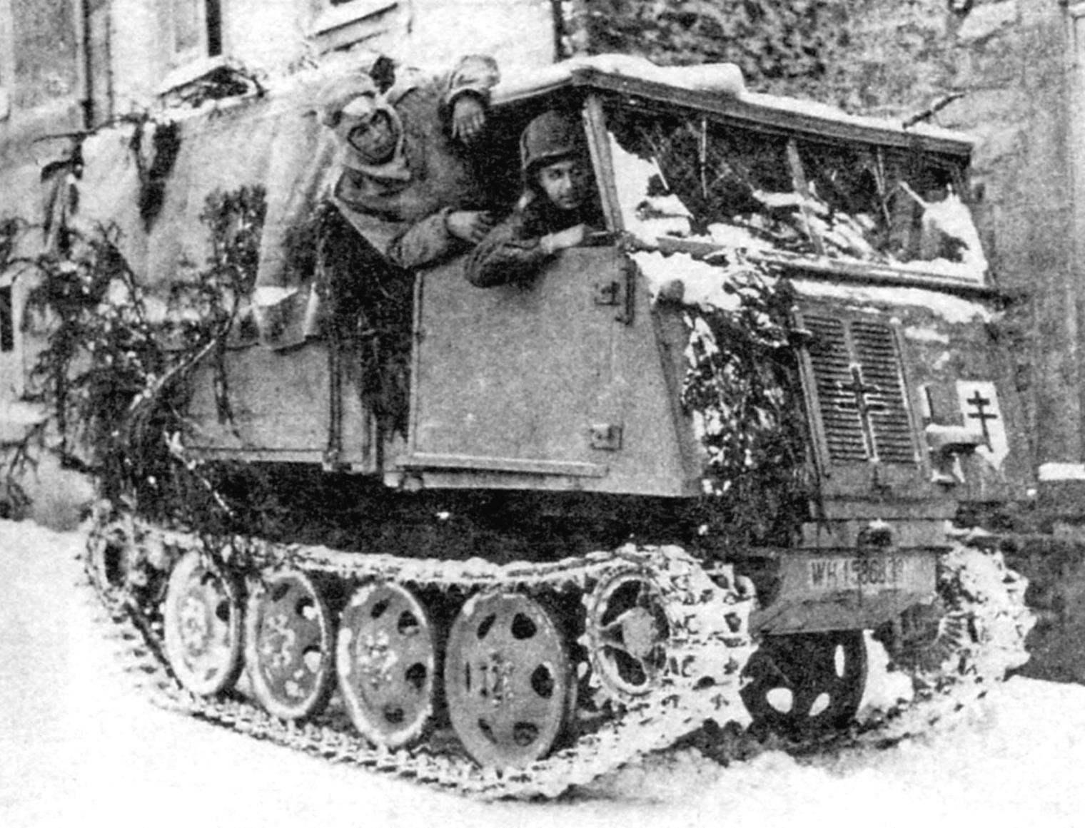 Raupenschlepper Ost (сокращённо RSO) в переводе буквально означало «трактор, следующий на Восток». Считалось, что такое название дал Гитлер. На фото: RSO на Восточном фронте. Зима 1943 г.