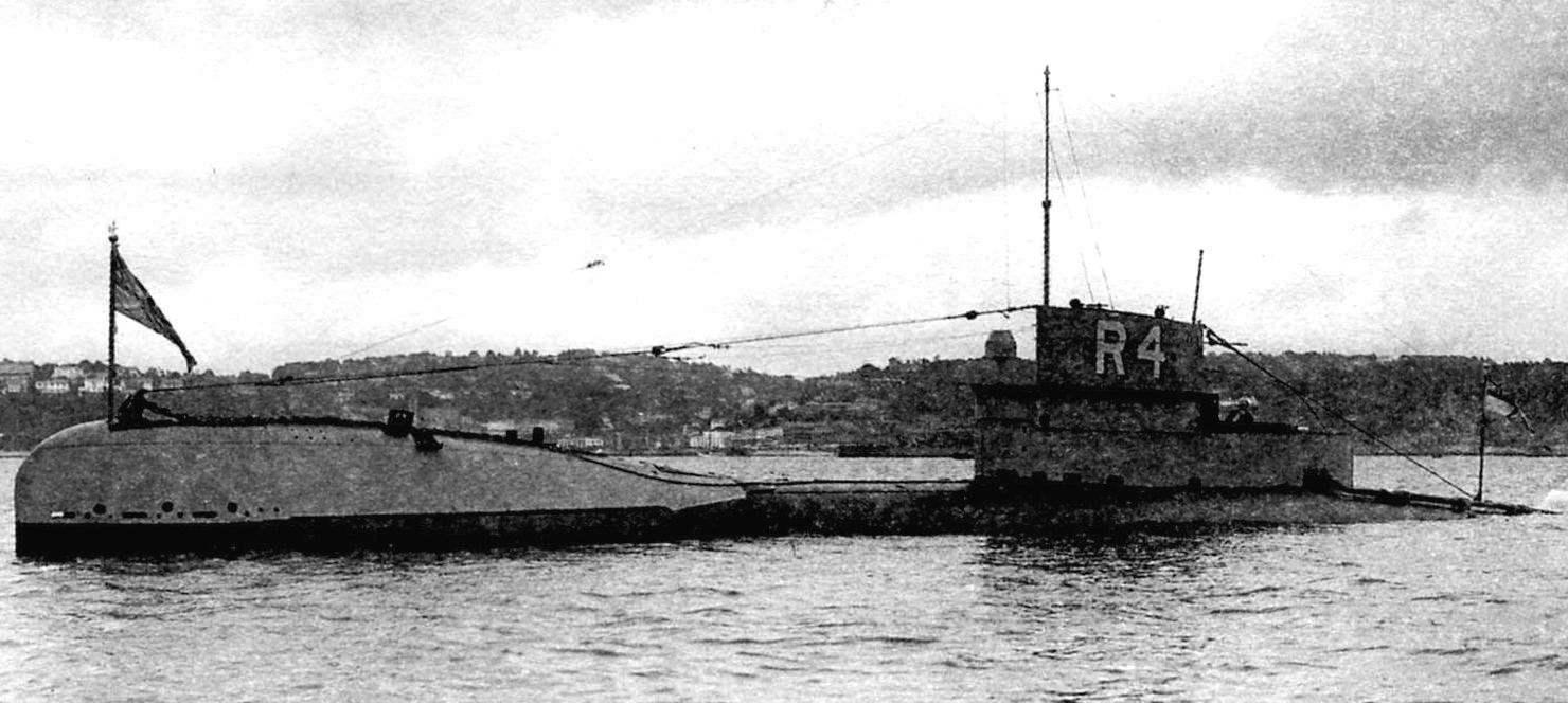 «Маленькая охотница» за подводными лодками противника - британская субмарина «R-4», использовавшаяся даже в годы Второй мировой войны